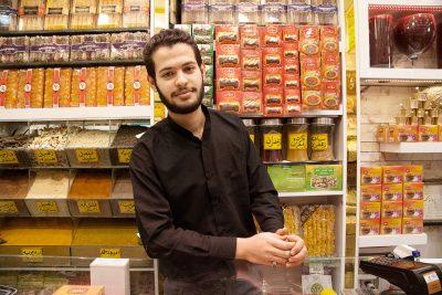 Ein Safrangeschäft in Mashhad.