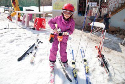 Bereits mit 3 Jahren lernte Sahel das Skifahren von ihrer Großmutter.